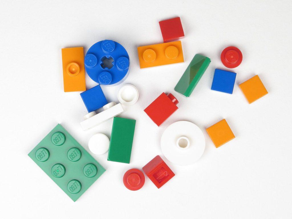 LEGO® City 60201 Adventskalender 2018 - Geschenke, Inhalt | ©2018 Brickzeit