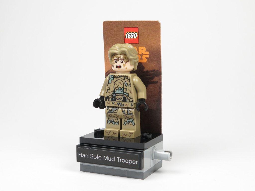 LEGO Star Wars 40300 Han Solo auf Podest Perspektive | ©2018 Brickzeit