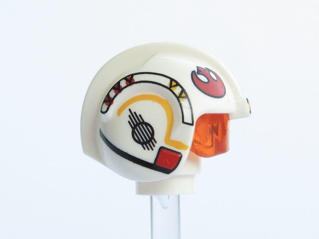 LEGO® Star Wars™ 75218 - Minifigur Luke Skywalker - Helm rechte Seite | ©2018 Brickzeit