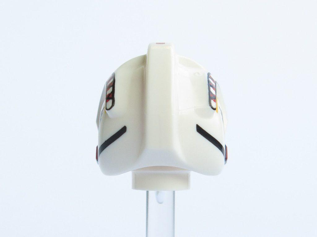 LEGO® Star Wars™ 75218 - Minifigur Luke Skywalker - Helm Rückseite | ©2018 Brickzeit
