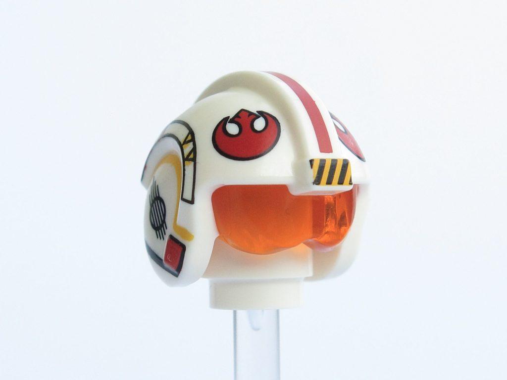 LEGO® Star Wars™ 75218 - Minifigur Luke Skywalker - Helm vorne, rechts | ©2018 Brickzeit