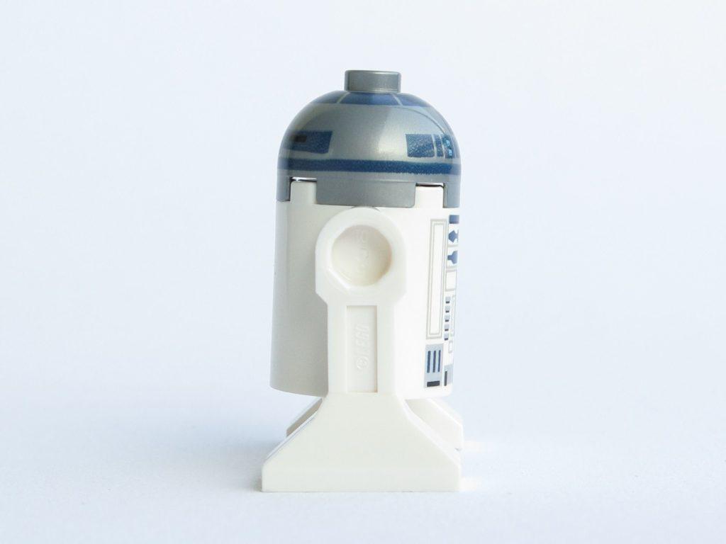 LEGO® Star Wars™ 75218 - Droide R2-D2 - rechte Seite | ©2018 Brickzeit