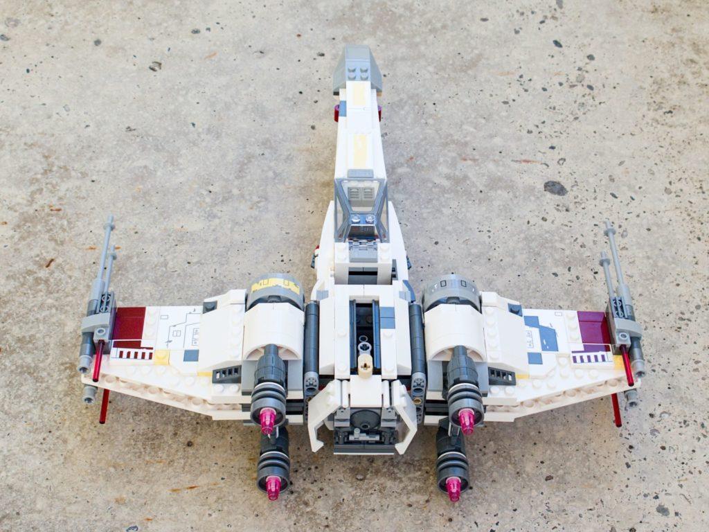 LEGO® Star Wars™ 75218 X-Wing Starfighter™ - Rückseite, hg | ©2018 Brickzeit