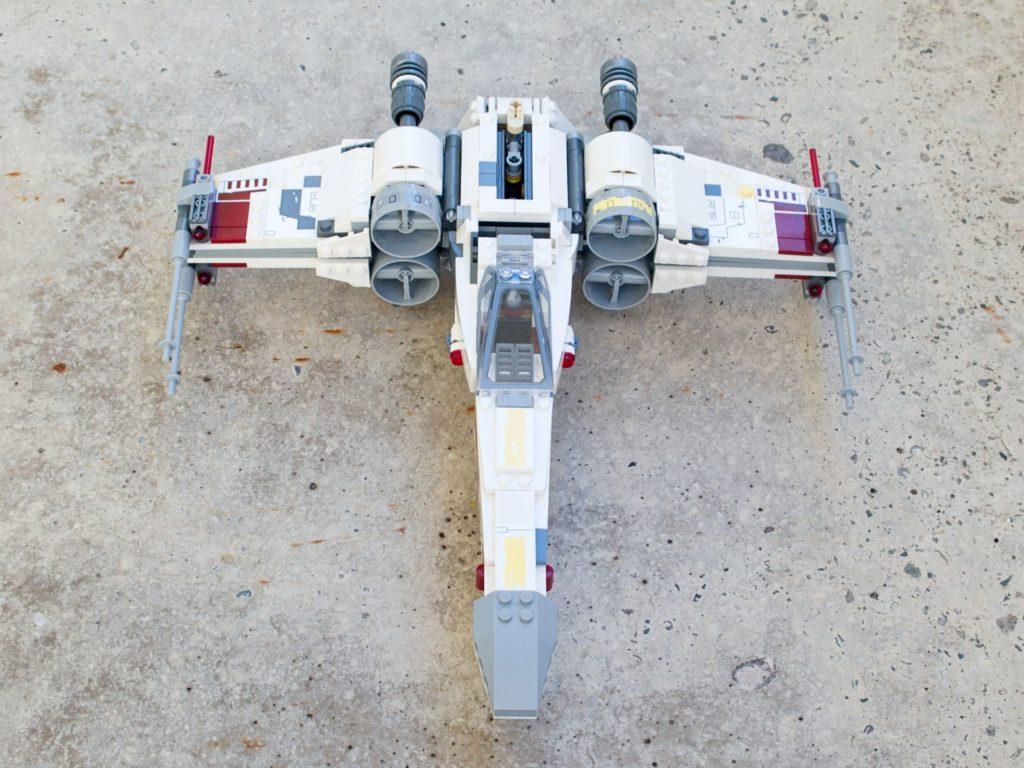 LEGO® Star Wars™ 75218 X-Wing Starfighter™ - Vorderseite, hg | ©2018 Brickzeit