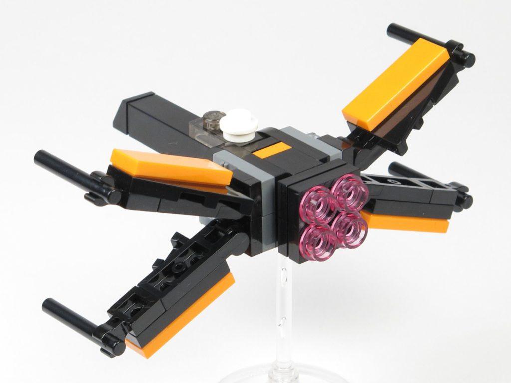 LEGO® Star Wars™ 911841 Poe Damerons X-Wing - offene Flügel, hinten links | ©2018 Brickzeit