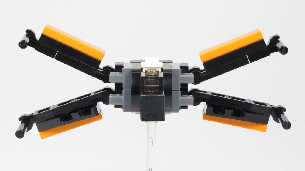 LEGO® Star Wars™ 911841 Poe Damerons X-Wing - offene Flügel, Vorderseite | ©2018 Brickzeit