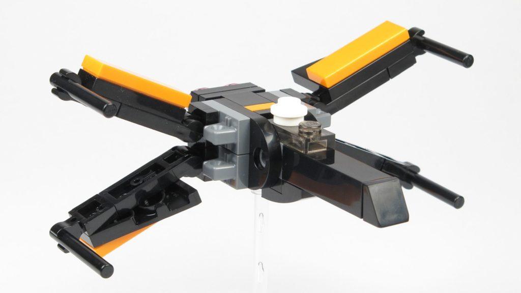 LEGO® Star Wars™ 911841 Poe Damerons X-Wing - offene Flügel, vorne rechts | ©2018 Brickzeit