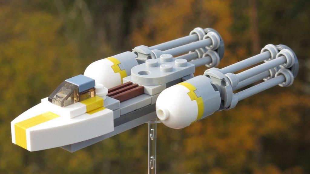 LEGO® Star Wars™ Magazin Nr. 12 - Y-Wing 911730 mit Hintergrund | ©2018 Brickzeit