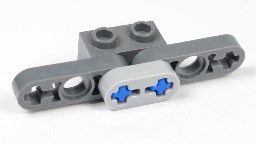 LEGO® Star Wars™ Magazin Nr. 12 - Y-Wing, Halterung für Antriebe, Rückseite | ©2018 Brickzeit