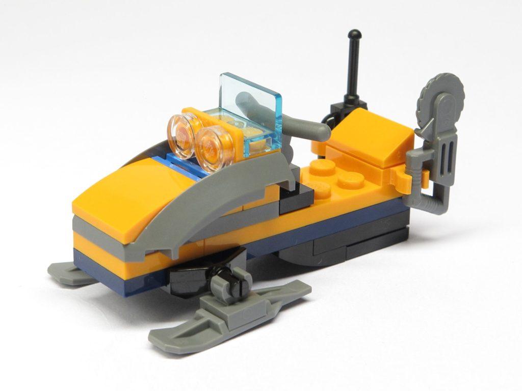 LEGO® City 951810 Schneemobil - vorne, links | ©2018 Brickzeit