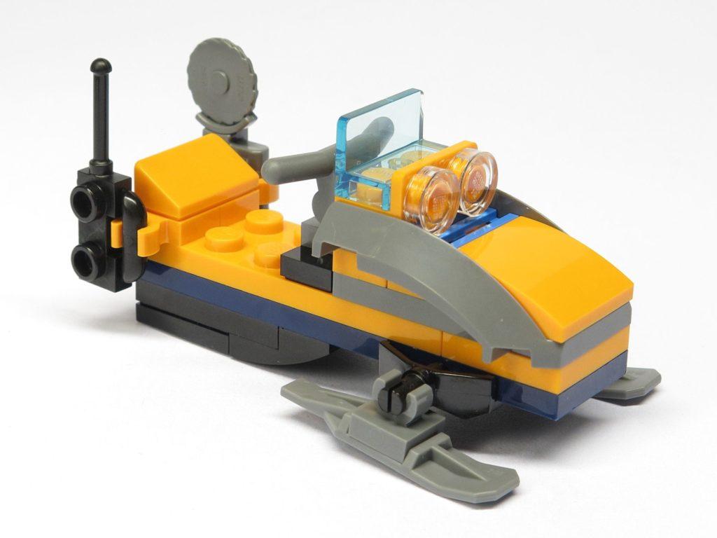 LEGO® City 951810 Schneemobil - vorne, rechts | ©2018 Brickzeit