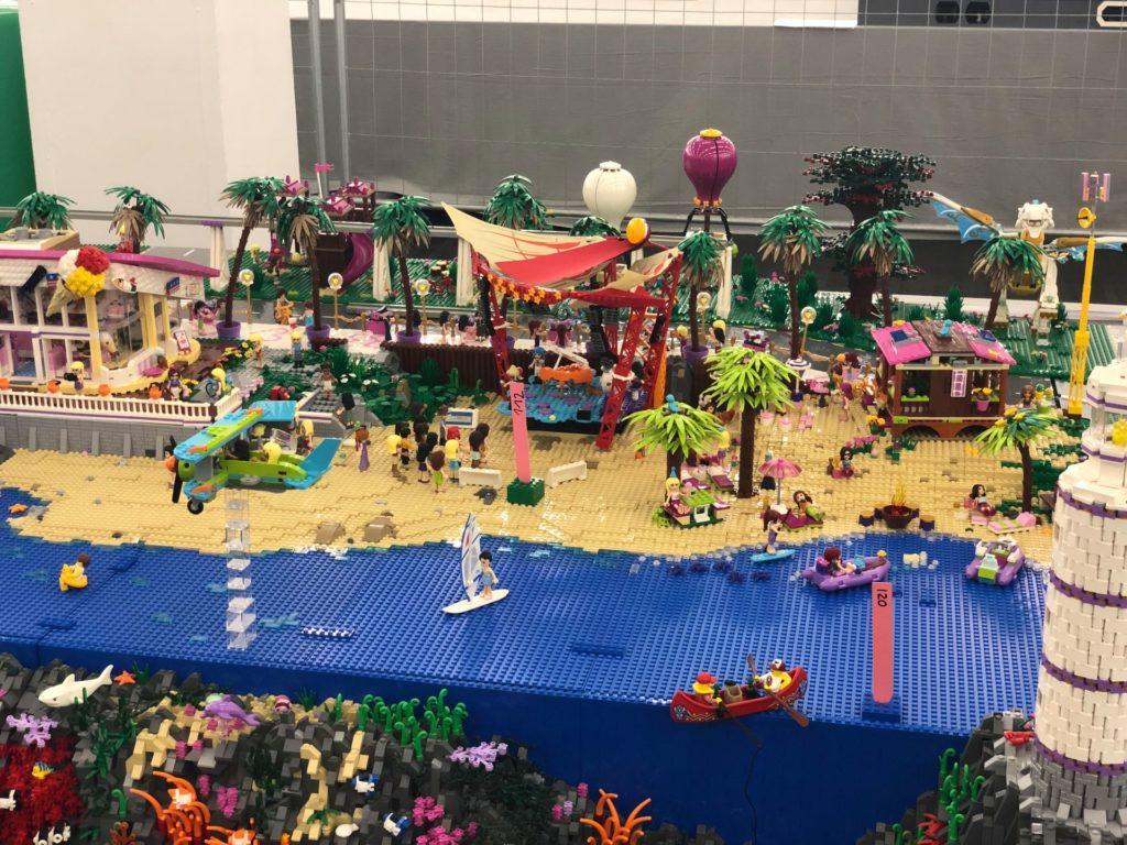 LEGO Friends Strand und Riff - Bild 2 | ©2018 Brickzeit
