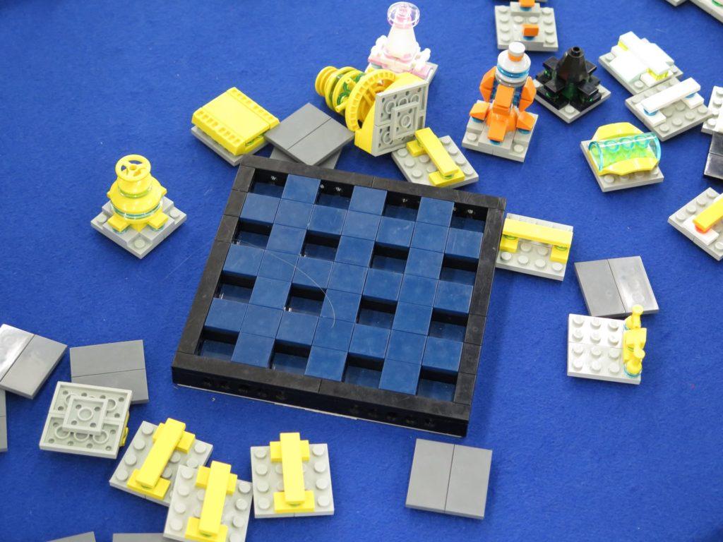 LEGO Micro Moonbase - Bild 3 | ©2018 Brickzeit