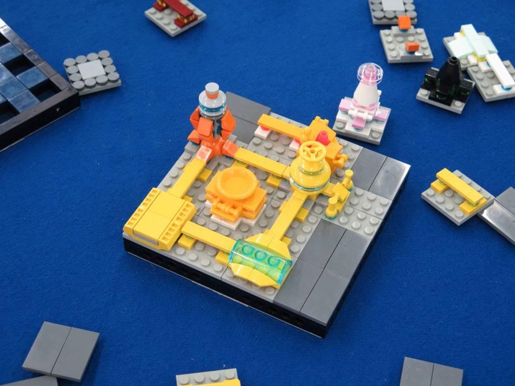LEGO Micro Moonbase - Bild 4 | ©2018 Brickzeit