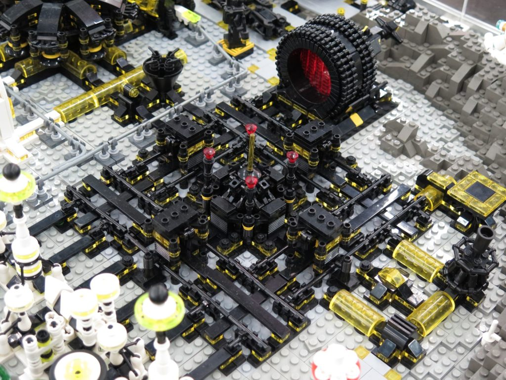 LEGO Micro Moonbase - Bild 11 | ©2018 Brickzeit