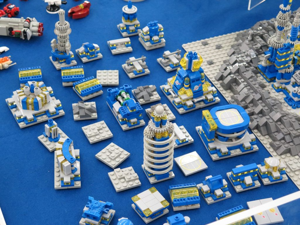 LEGO Micro Moonbase - Bild 13 | ©2018 Brickzeit