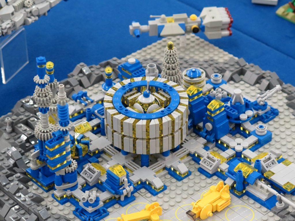 LEGO Micro Moonbase - Bild 14 | ©2018 Brickzeit