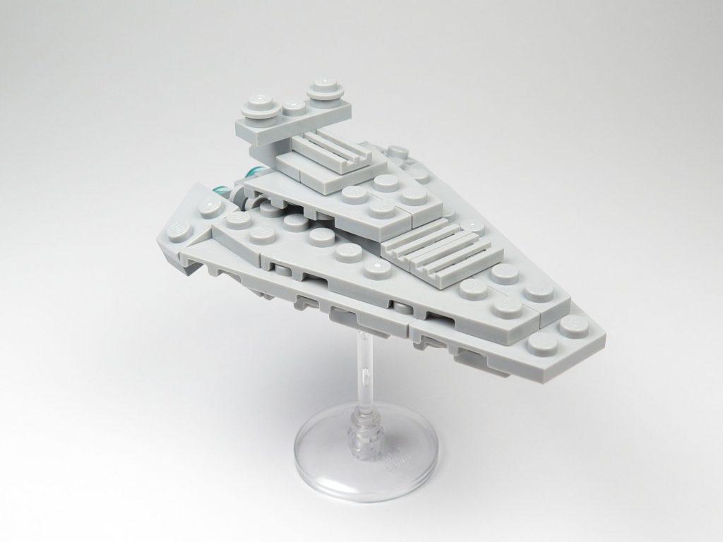 LEGO® Star Wars™ Star Destroyer Polybag 911842 - vorne, rechts | ©2018 Brickzeit