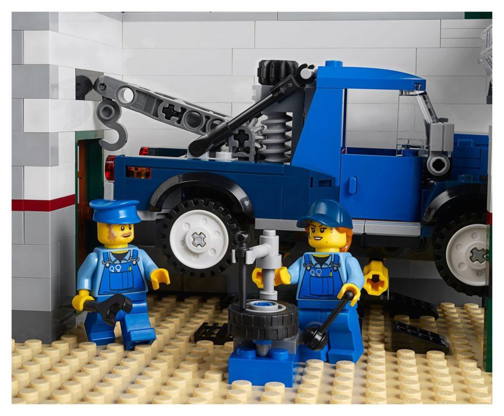 LEGO® Creator Expert 10264 Eckgarage - Tierarztpraxis - Werkstatt | LEGO© Gruppe