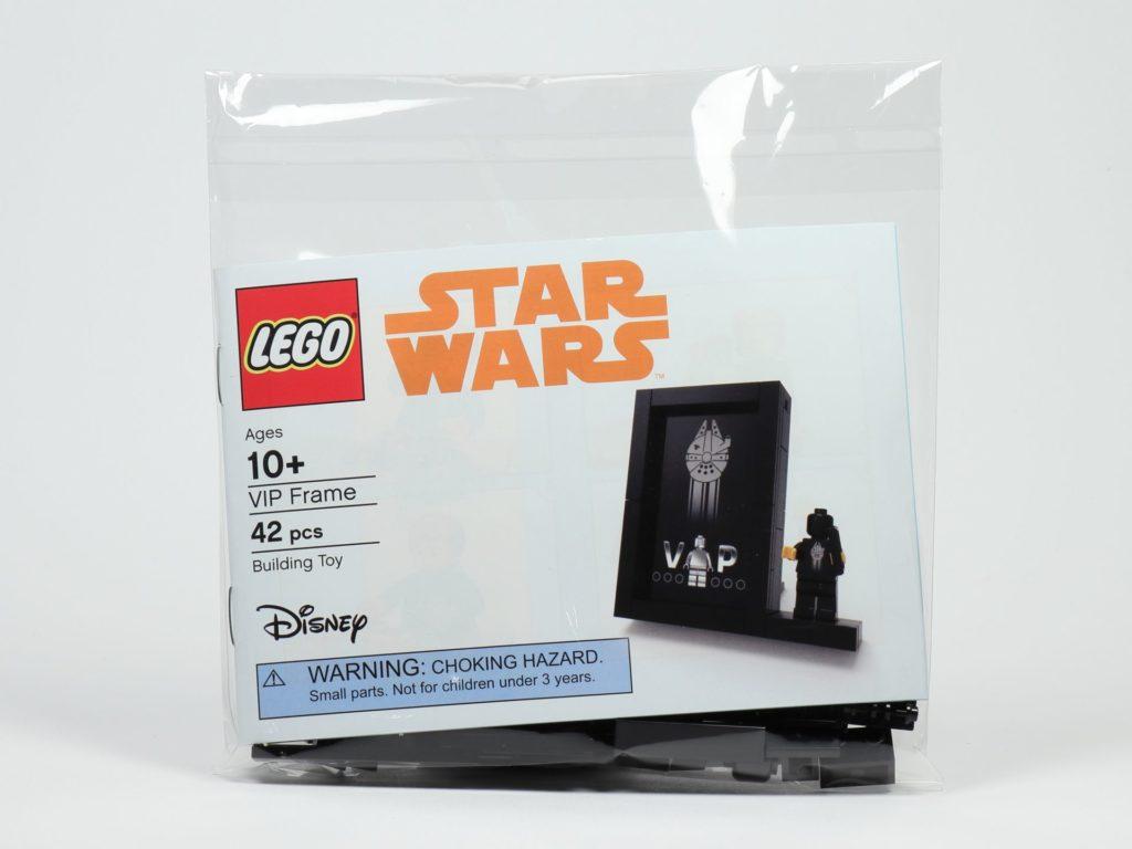 LEGO® Präsentationsständer für die schwarze VIP-Karte (5005747) - Polybag | ©2018 Brickzeit