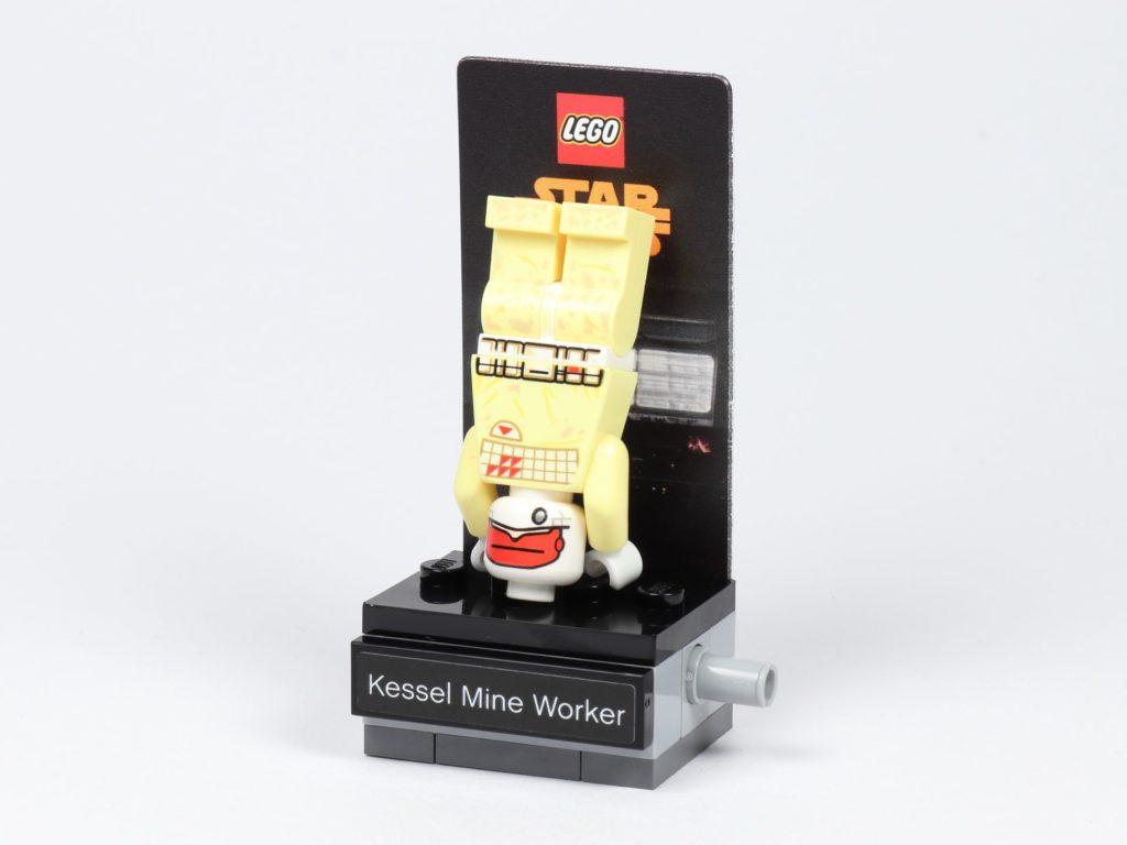LEGO® Star Wars™ 40299 Kessel Mine Worker macht Kopfstand | ©Brickzeit