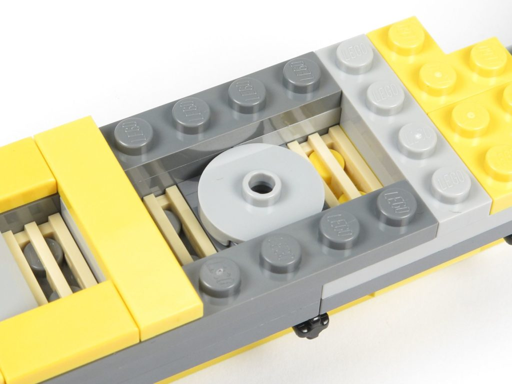 LEGO® Star Wars™ 75214 Bauabschnitt 1 - Befestigung R2-D2 | ©2018 Brickzeit