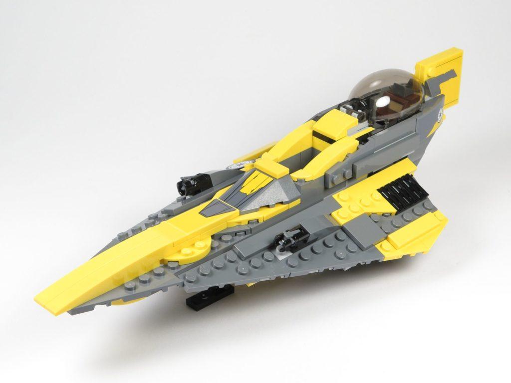 LEGO® Star Wars™ 75214 Anakins Jedi Starfighter - vorne, links | ©2018 Brickzeit