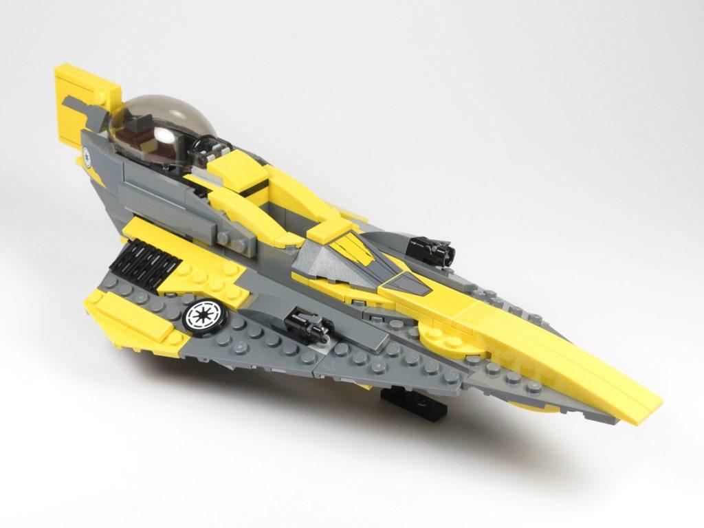 LEGO® Star Wars™ 75214 Anakins Jedi Starfighter - vorne, rechts | ©2018 Brickzeit