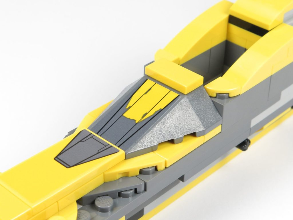 LEGO® Star Wars™ 75214 Bauabschnitt 2 - Abdeckung befestigt | ©2018 Brickzeit