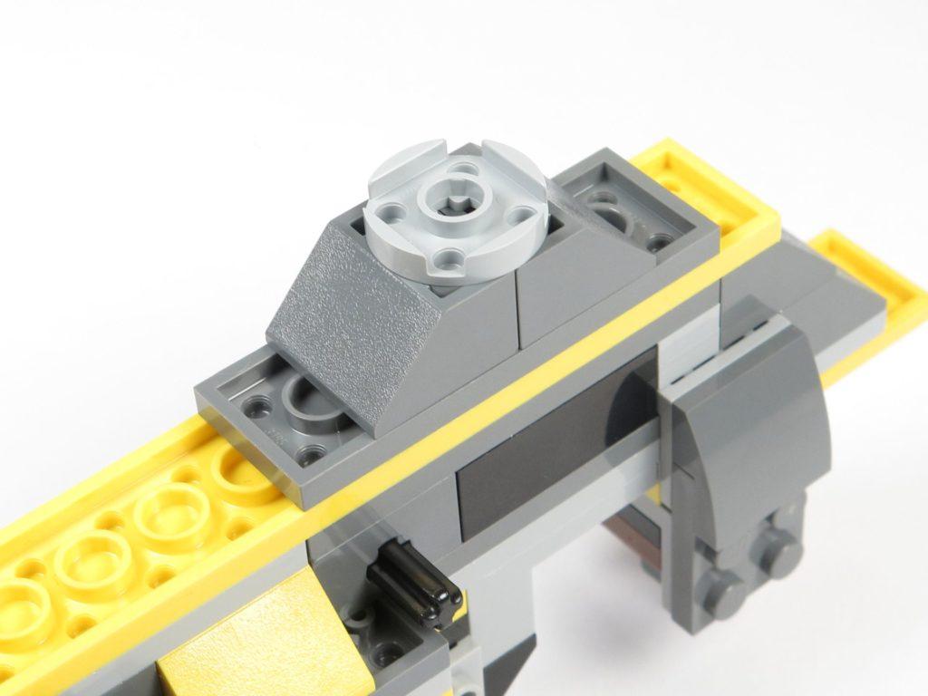 LEGO® Star Wars™ 75214 Bauabschnitt 2 - hinteres Fahrwerk | ©2018 Brickzeit