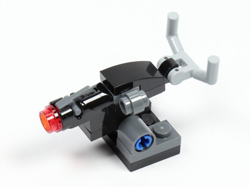 LEGO® Star Wars™ 75213 Adventskalender 2018 - Tür 10 - Blaster, vorne links | ©Brickzeit