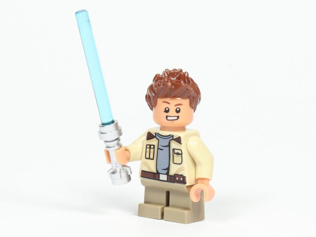 LEGO® Star Wars™ 75213 Adventskalender 2018 - Tür 11 - Rowan Freemaker mit Lichtschwert | ©Brickzeit