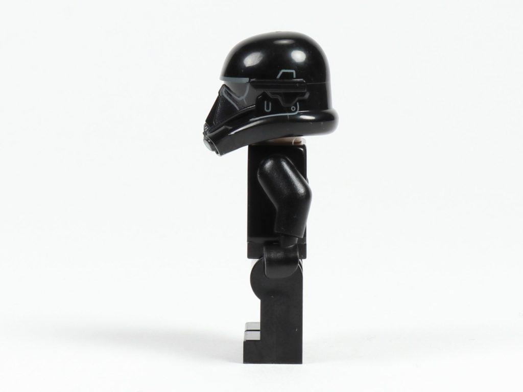 LEGO® Star Wars™ 75213 Adventskalender 2018 - Tür 15 - Death Trooper, linke Seite   ©Brickzeit