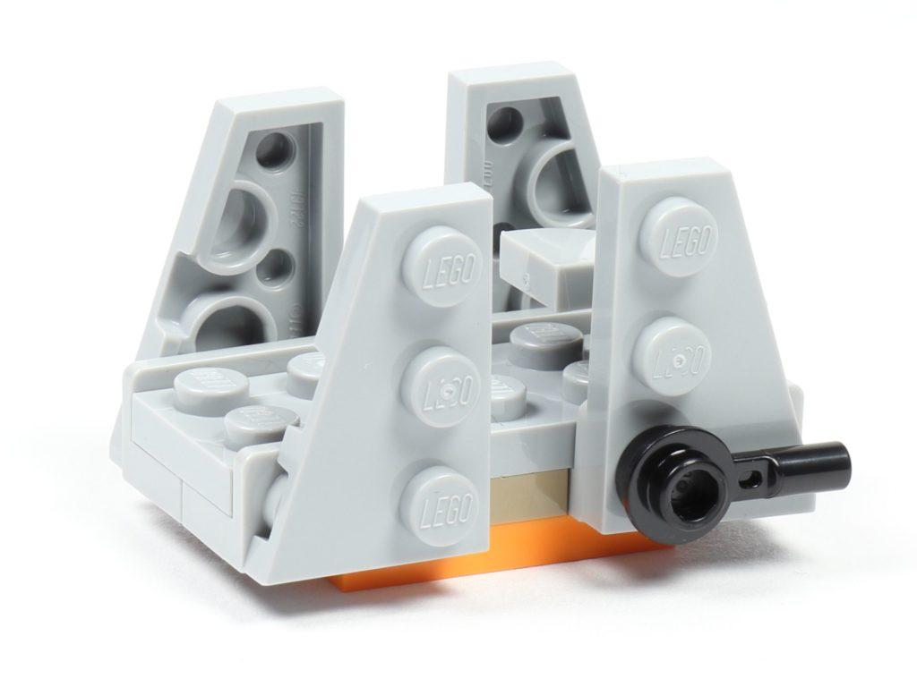 LEGO® Star Wars™ 75213 Adventskalender 2018 - Tür 20 - Zeta-Klasse Shuttle, hinten rechts | ©Brickzeit