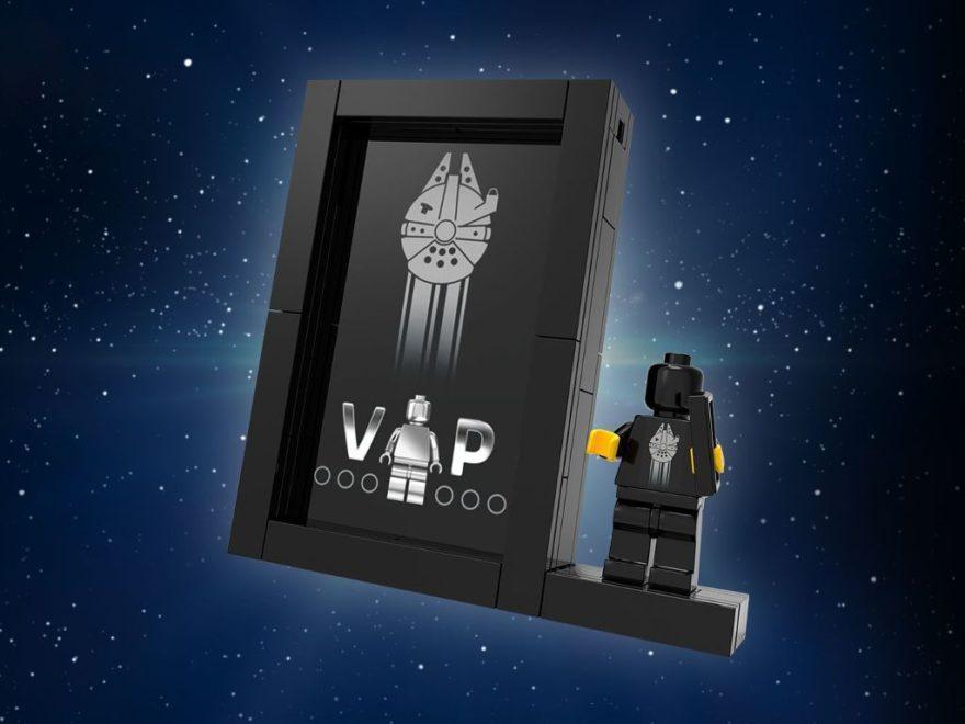 LEGO® Präsentationsständer für schwarze VIP Karte 5005747 Titelbild | ©LEGO Gruppe