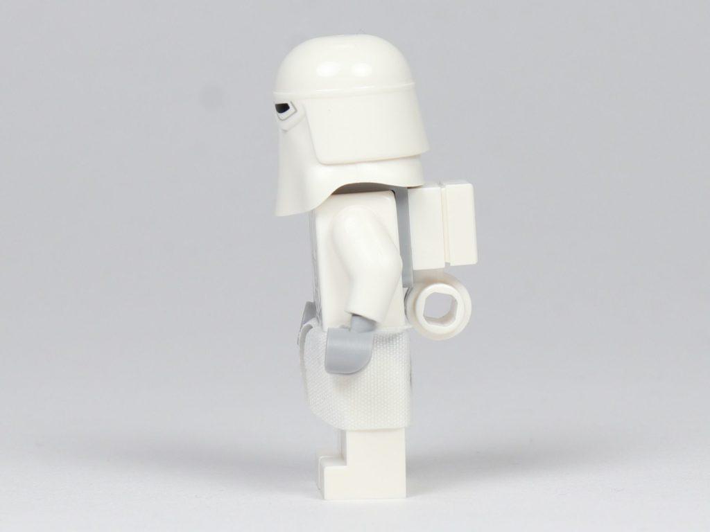 LEGO® Star Wars™ - das ultimative Trainingshandbuch - Snowtrooper, linke Seite | ©2019 Brickzeit