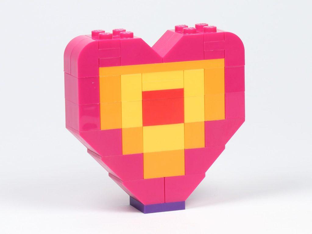 THE LEGO® MOVIE 2 Emmets Herz (30340) - Das Herz, Vorderseite | ©2019 Brickzeit
