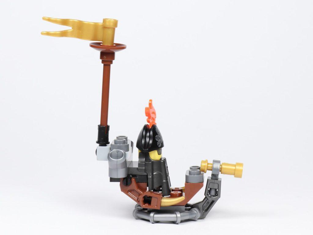 THE LEGO MOVIE 2 Mini-Baumeister Eisenbart (30528) - Boot, rechte Seite | ©2019 Brickzeit