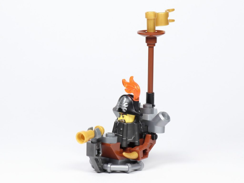 THE LEGO MOVIE 2 Mini-Baumeister Eisenbart (30528) - Boot, vorne links | ©2019 Brickzeit