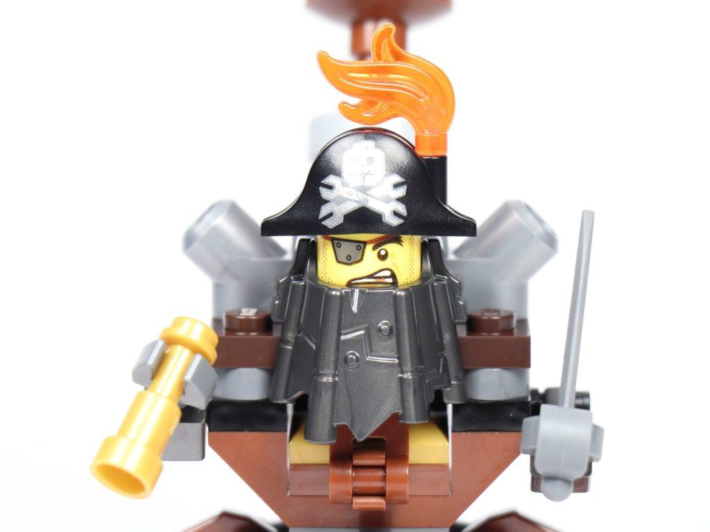 THE LEGO MOVIE 2 Mini-Baumeister Eisenbart (30528) - Nahaufnahme | ©2019 Brickzeit