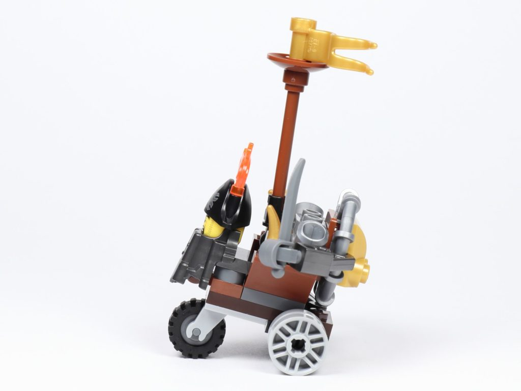THE LEGO MOVIE 2 Mini-Baumeister Eisenbart (30528) - Trike, linke Seite | ©2019 Brickzeit