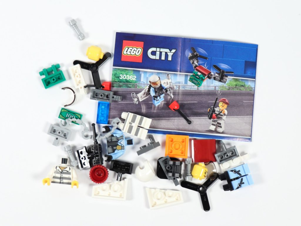 LEGO® City 30362 Raketenrucksack - Inhalt | ©2019 Brickzeit