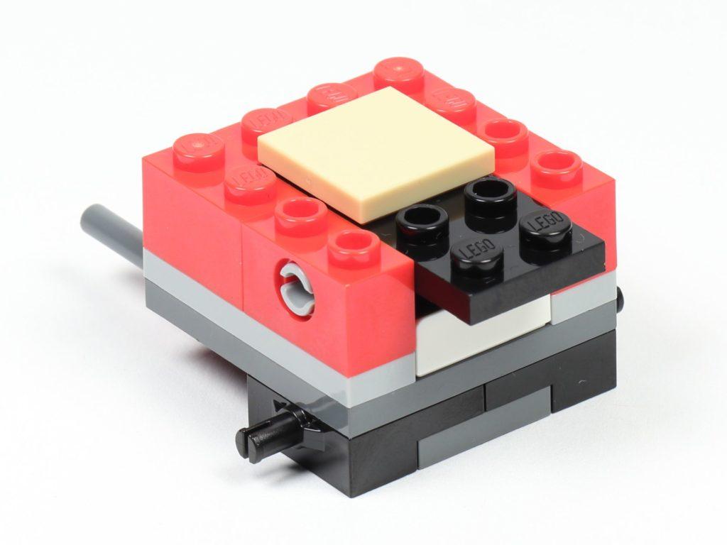 LEGO® City 30364 Popcorn Stand - Aufbau, Wippe montiert | ©2019 Brickzeit
