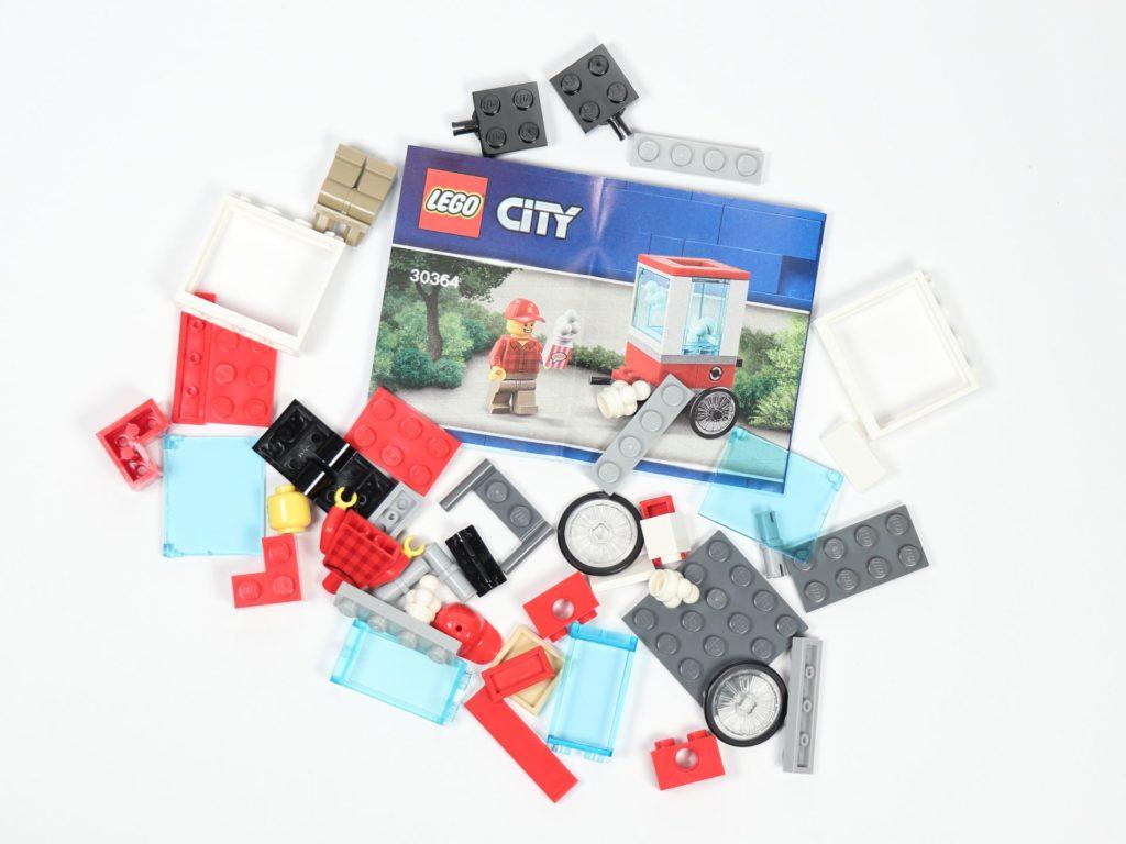 LEGO® City 30364 Popcorn Stand - Inhalt | ©2019 Brickzeit