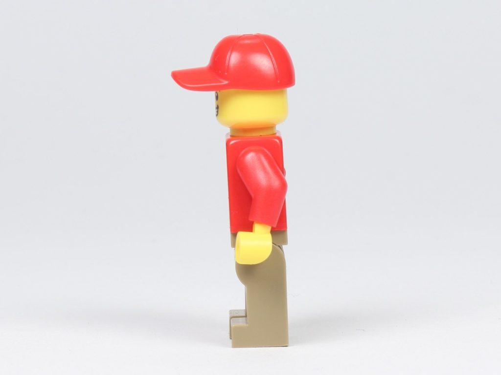 LEGO® City 30364 Popcorn Stand - Minifigur, Popcorn-Verkäufer, linke Seite | ©2019 Brickzeit