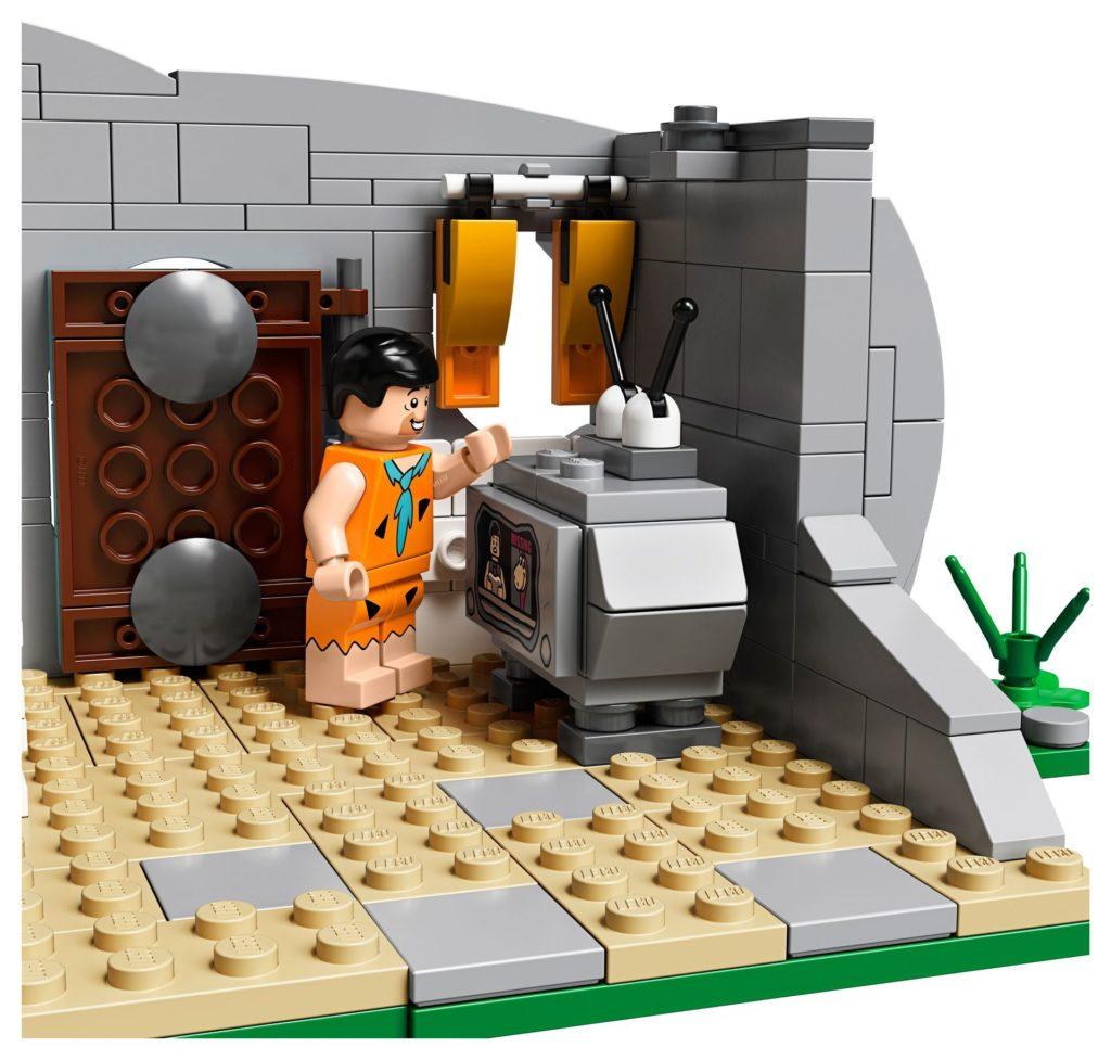 LEGO® Ideas 21316 - Steinalter Fernseher   ©LEGO Gruppe