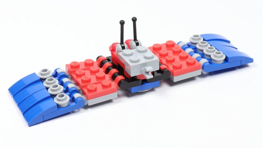 LEGO® Marvel 30451 Spider-Mans Mini Spider Crawler - Beine befestigt, hinten | ©2019 Brickzeit