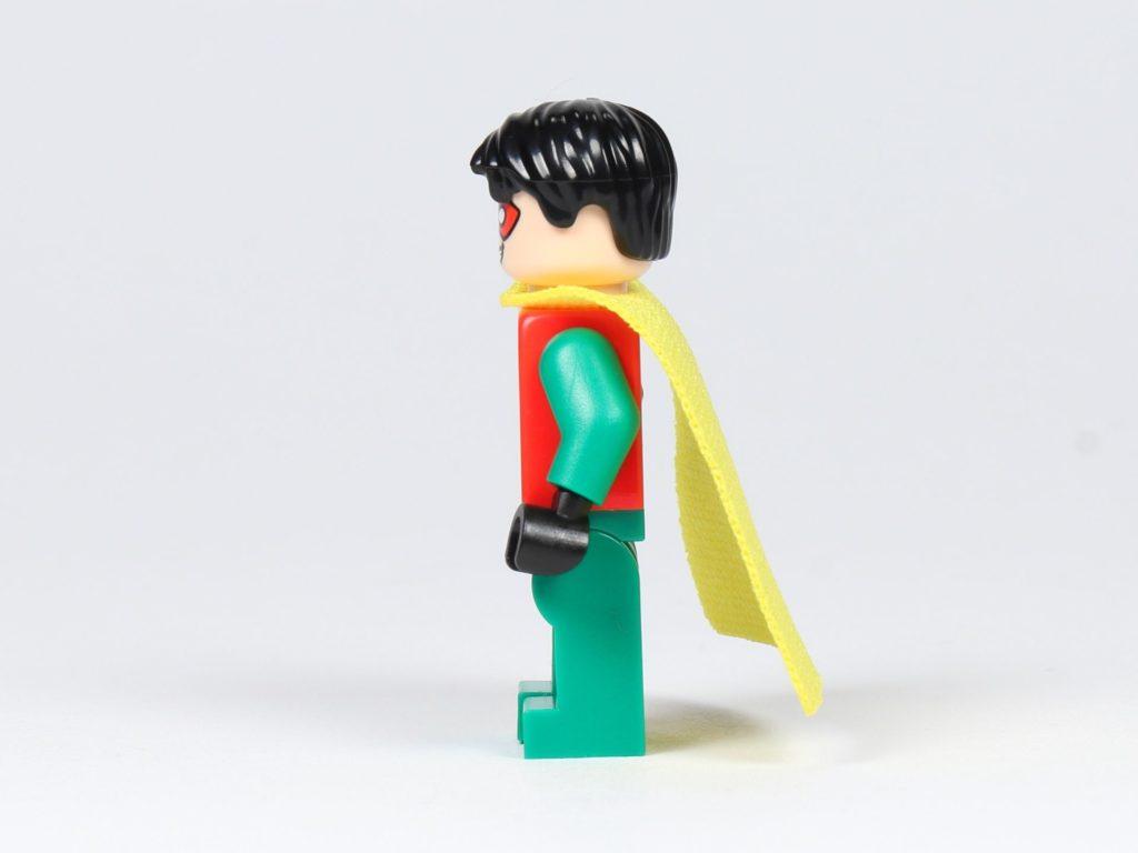 LEGO® Batman™ Magazin Nr. 2 - Robin mit gelben Cape, linke Seite | ©2019 Brickzeit