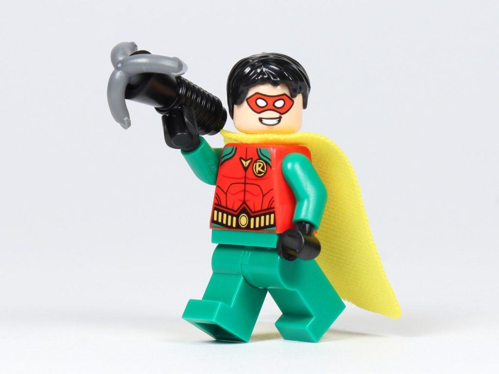 LEGO® Batman™ Magazin Nr. 2 - Robin mit gelben Cape und Enterhaken | ©2019 Brickzeit