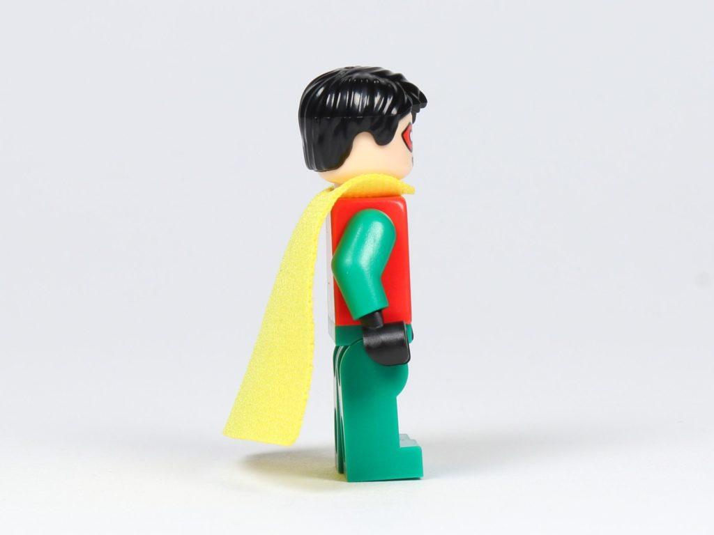 LEGO® Batman™ Magazin Nr. 2 - Robin mit gelben Cape, rechte Seite | ©2019 Brickzeit